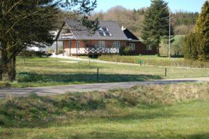 Huset i grønne omgivelser   Fonden Team Golå