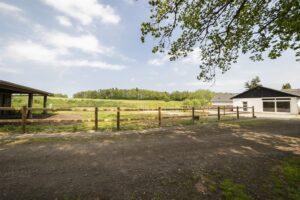 Bosted og opholdsted med hestefold | Fonden Team Golå